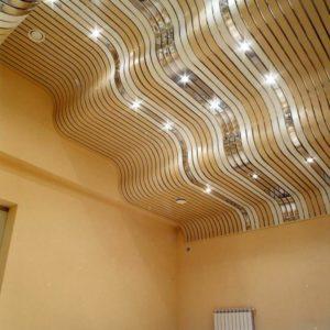 Подвесные и реечные потолки